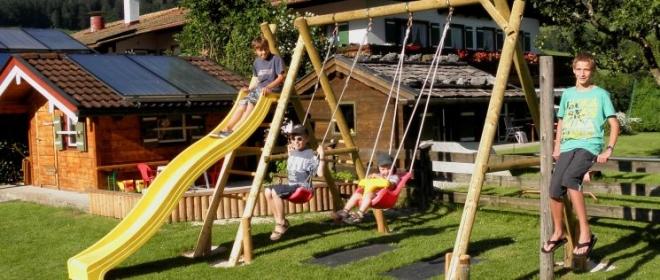 Urlaub auf dem Bauernhof Kinderspielplatz