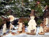 Weihnachtsferien in Bayern Weihnachtsmarkt Holzschnitzereien